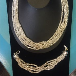 Jewelry - SALE! Silver plated necklace and bracelet set 002